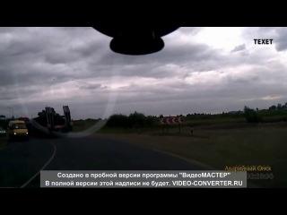 В Омске с фуры упал танк